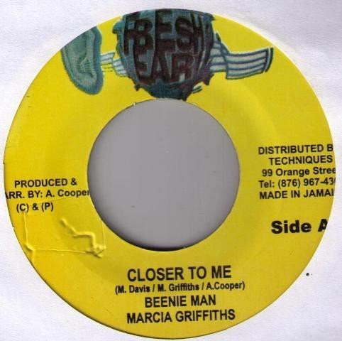 Marcia Griffiths - Closer To Me / How Wi Living