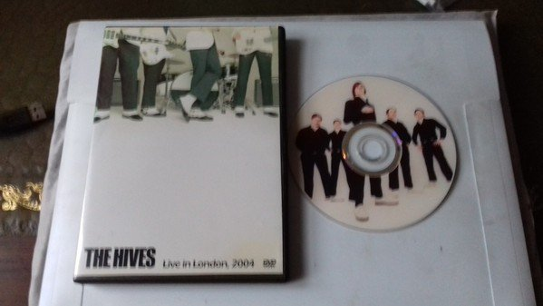 The Hives - Live in London 2004